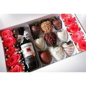 Caja de cartón con rosas,...